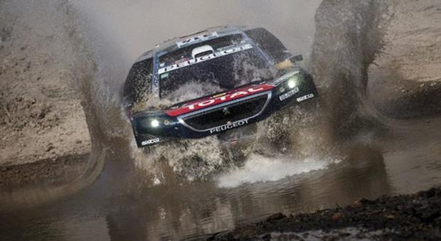 La Peugeot 3008 di Peterhansel vincitrice dell'edizione scorsa