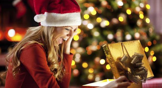 Natale in bellezza, 10 proposte di regali beauty e make up (anche per lui...)