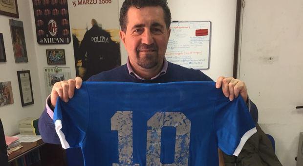 Ruba la maglia di Maradona: denunciato noto professionista