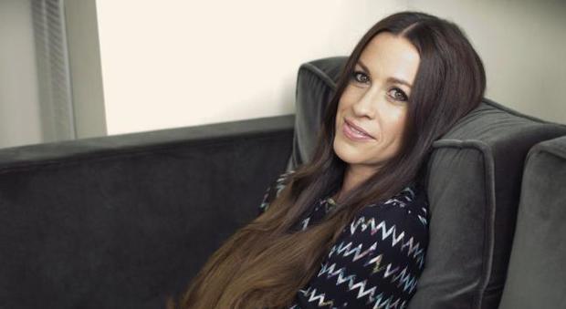 Alanis Morissette truffata dal suo manager per 5 milioni di dollari
