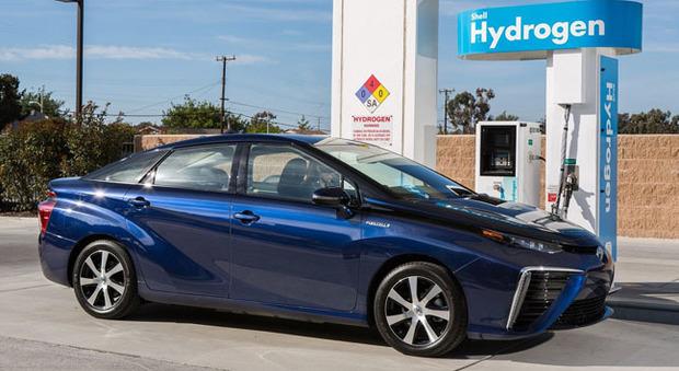 Una Toyota Mirai alimentata a idrogeno