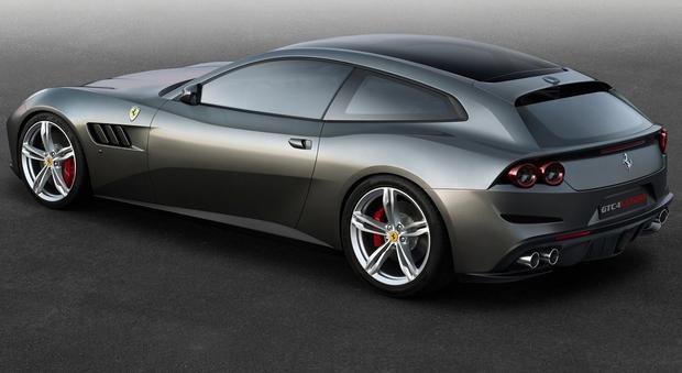 Il nuovo modello 4 posti della Ferrari monta per la prima volta le ruote posteriori sterzanti integrate con le 4 ruote motrici, che fanno compiere un ulteriore passo in avanti al concetto di vettura sportiva GT con un'ampia fruibilità