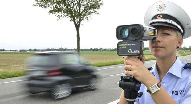 Un controllo di velocità tramite autovelox