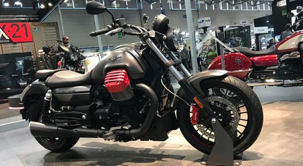 La Moto Guzzi Audace in versione Carbon presentata all'Intermot di Colonia