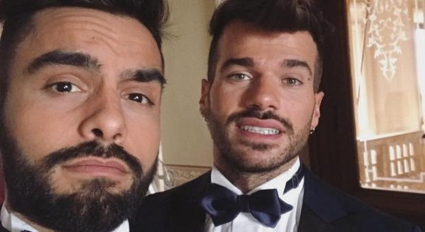 Trono gay, Claudio e Mario sposi in abito da cerimonia. Pronti per il sì?