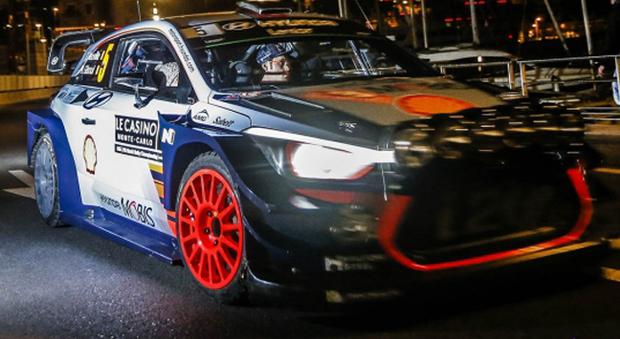 Thierry Neuville sulla sua Hyundai i20 WRC
