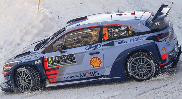Therry Neuville al volante della sua Hyundai i20 Coupé WRC