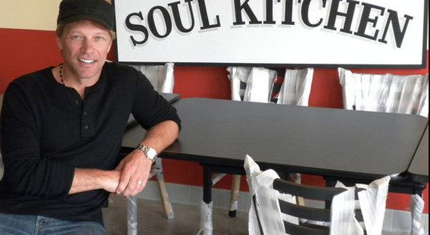 Bon Jovi apre il secondo ristorante dove i poveri mangiano gratis