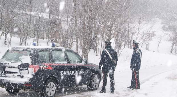 Fugge dopo la lite con il marito rischia la morte nella neve