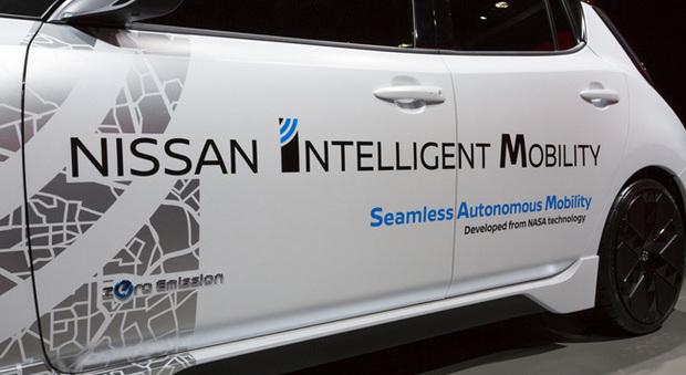 La scritta sulla fiancata di una Nissan al Ces 2017