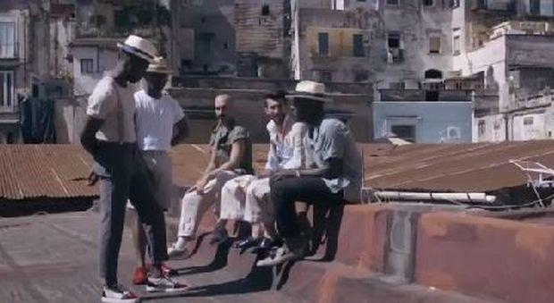 Effetto D&G: lo stilista Louboutin gira il suo spot a Napoli