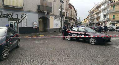 Allarme bomba a Qualiano: borsa abbandonata in piazza Kennedy