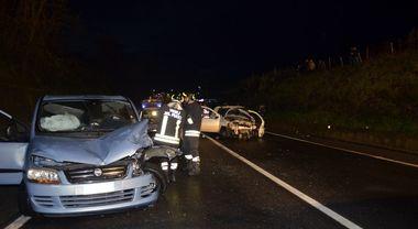 Telese, scontro tra auto: due feriti