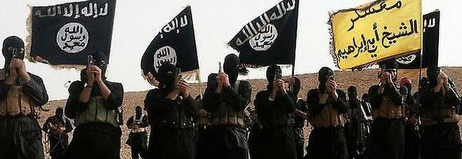 Isis, jihadista pentito consegna una lista con i nomi di 22mila terroristi