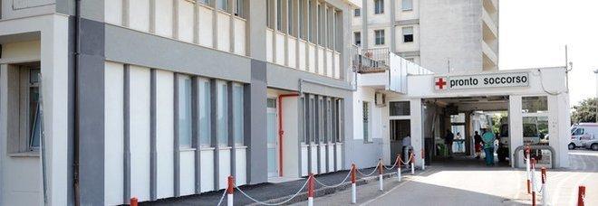 """""""Infermieri fannulloni"""" in ospedale. Licenziati 8 su 9: si salva il sindacalista"""