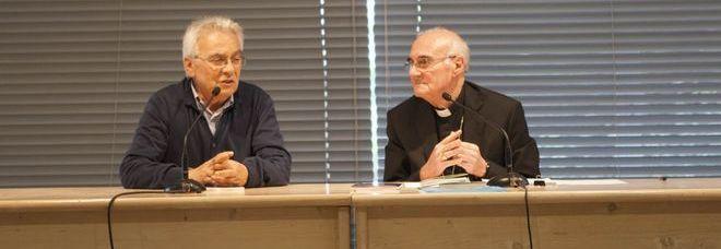 L'arcivescovo Conti insieme a don Vinicio