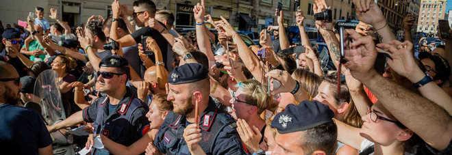 Fan in attesa di Vasco Rossi ospite al Messaggero.it (Foto Caprioli, Dalla Mura, Fracassi/Toiati)