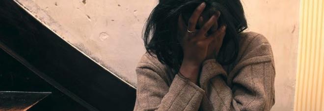 «Te lo avevo detto comando io»: pakistano stupra la moglie