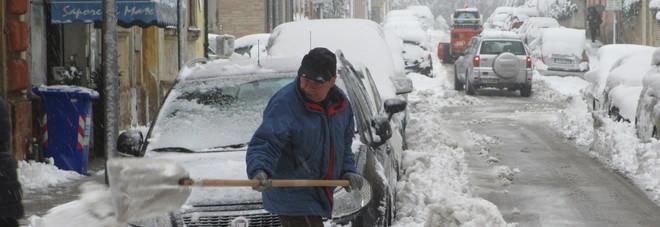 Fino a un metro e mezzo di neve: la Protezione civile chiama l'Esercito
