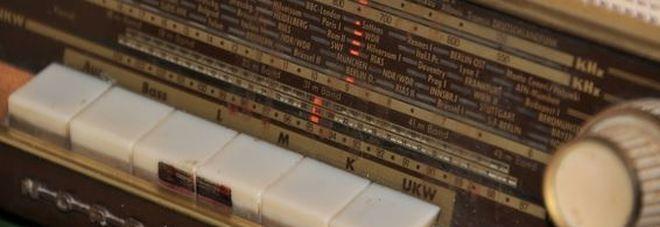 Addio alla mitica radio FM: oggi fine delle trasmissioni  Ecco chi la spenge