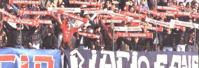 Un'immagine dei tifosi della Biagio Nazzaro