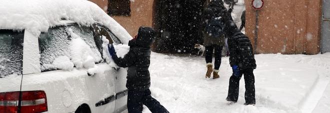 Marche, ecco dove le scuole restano chiuse  Urbino, sospese le lezioni all'università