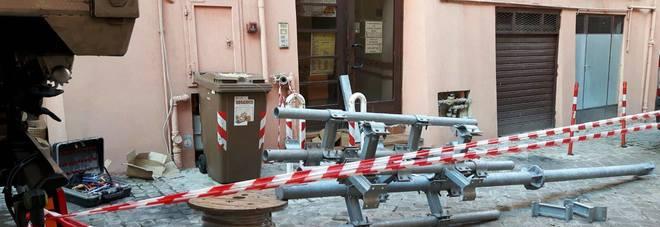 Maxi antenna, lo stop ai lavori scatena la rabbia dei residenti