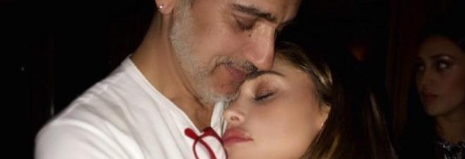 Belen, capodanno d'amore: coccole con l'uomo della sua vita... -Foto