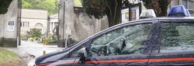 Roccarainola, raid sacrilego al cimitero: distrutte lapidi
