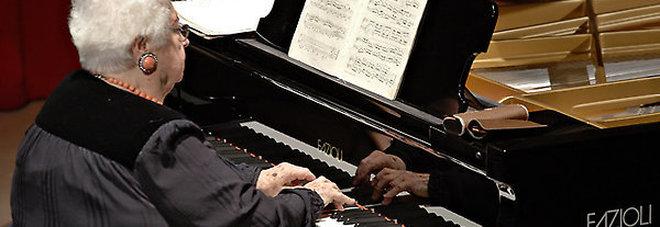 La pianista Lya De Barberiis