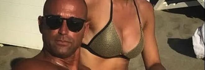 Stefano Bettarini pubblica la foto di una donna misteriosa: ecco chi è la nuova fiamma