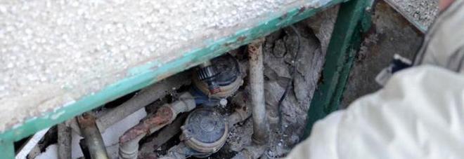 Il freddo gelido fa strage di contatori: decine di case rimangono senz'acqua