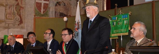 Il  presidente Ana durante l'intervento alla presentazione dell'Adunata