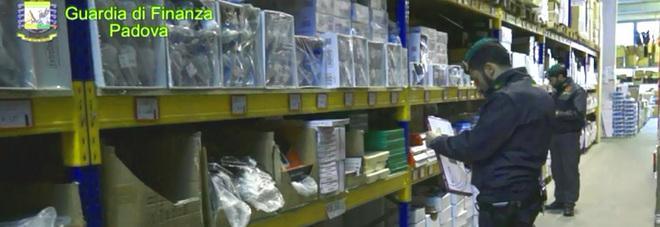 Bigiotteria, sequestrati due milioni  di accessori pericolosi per la salute