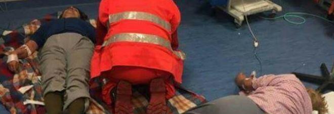 Pazienti curati sul pavimento a Nola blitz dei Nas in ospedale. Ira di De Luca: «Via ai licenziamenti»