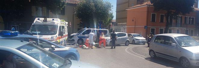 Pesaro, auto contro una bici: donna all'ospedale con un trauma cranico