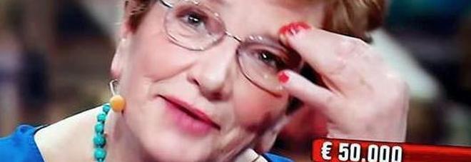 """""""Te si stà propio braaa"""": Maria Rosa centra il """"pacco"""" e porta a casa 90mila euro"""