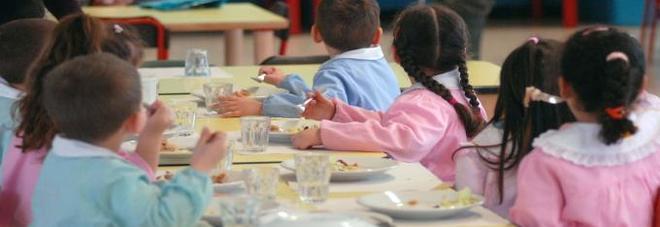 """""""Una graffetta e una vite nel risotto della mensa della scuola"""""""