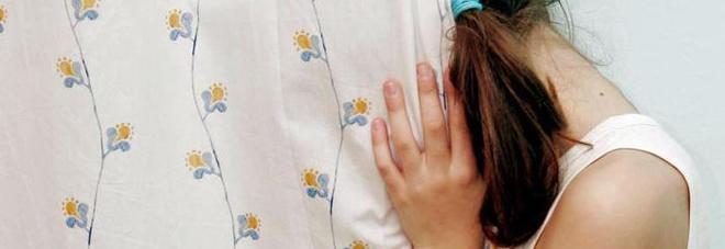 Bimba alla cresima confessa al parroco di essere stata stuprata dallo zio
