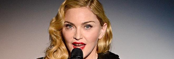Madonna, la promessa elettorale è hot: «Se votate Hillary vi faccio un p....o» /Video