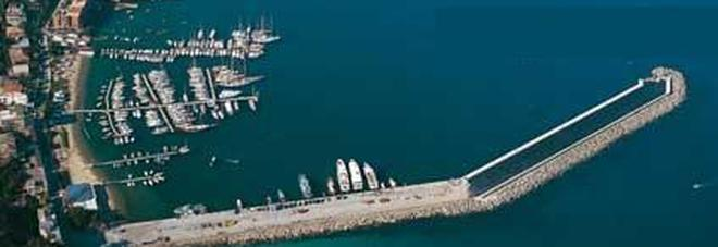 Blitz della Guardia di finanza Indagini su una società Sequestrata una nave
