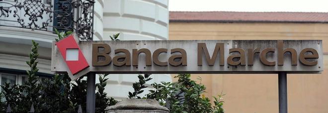 Banca Marche, allarme dei sindacati Chiudono 16 sportelli: ecco quali