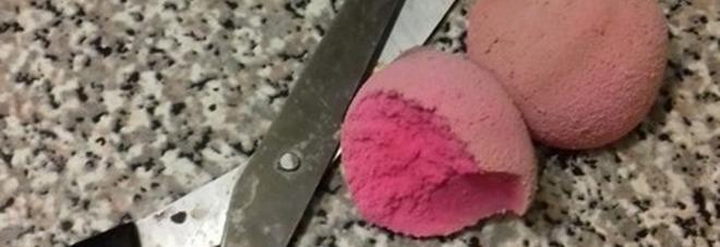 Perché dovresti tagliare subito in due la tua spugnetta per il make-up -Leggi