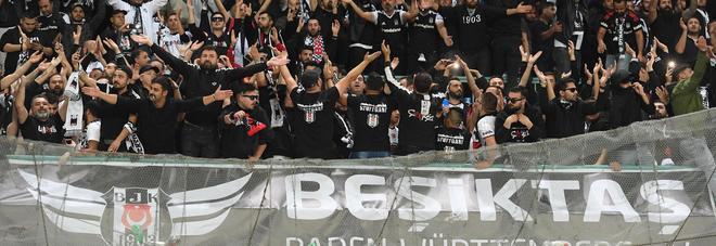 Napoli, aggredito tifoso turco: 15enne in ospedale