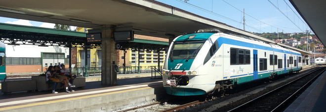 La Polfer: «Treni e stazioni Nelle Marche furti e rapine diminuiti del 35%»