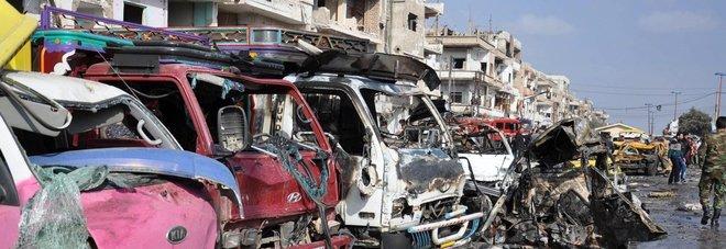 Siria, attentati a Damasco e Homs: 180 morti. L'Isis rivendica