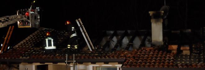 L'incendio nella notte a Bagnarola di Sesto al Reghena