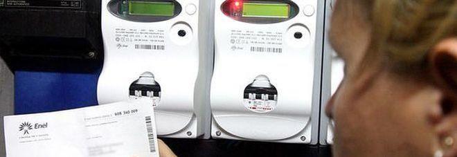 Stangata sulle bollette da gennaio: aumenti per luce +0,9% e gas +4,7%