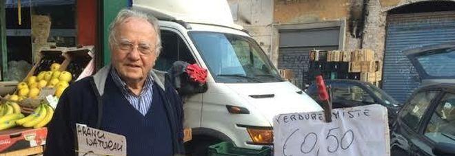 Roma, Dino, 86 anni sfama 250 poveri al giorno con il cibo invenduto
