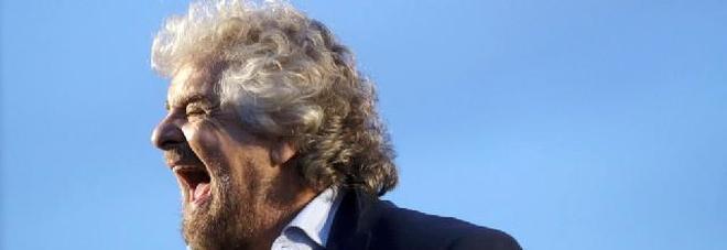Scontro totale Grillo-Renzi